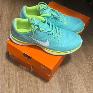 Green and yellow Nike's size 8.5